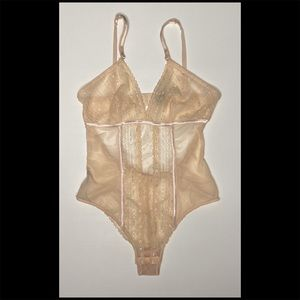 Light Pink Sheer Lace Teddy w Closure LIKE NEW!